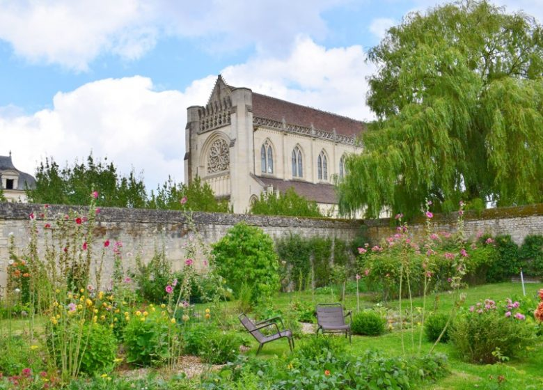 294689-Abbaye_d_Ardenne_-_IMEC-Caen_la_mer_Tourisme___Alix_JONET
